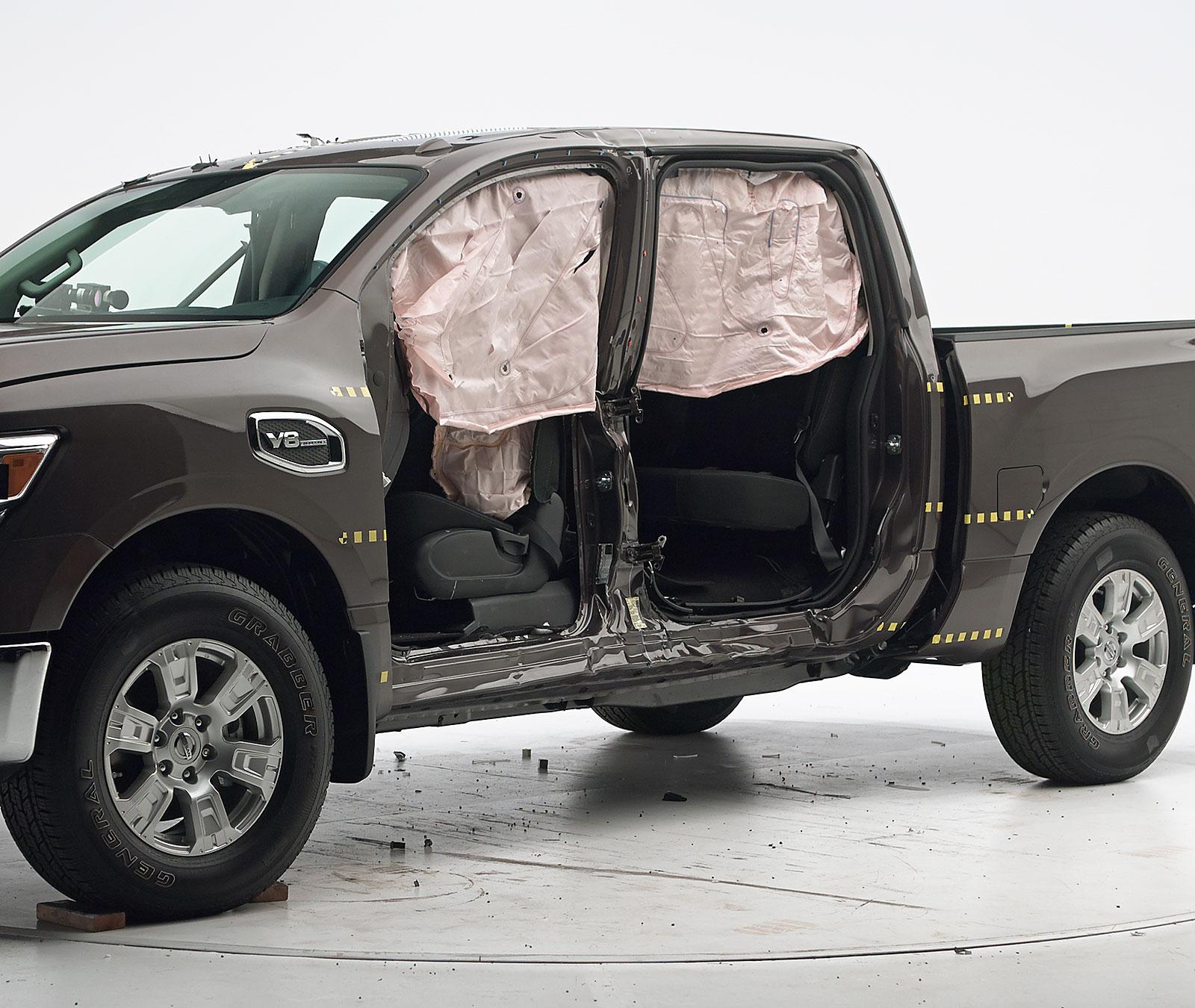 2019 Nissan Titan: 2019 Nissan Titan