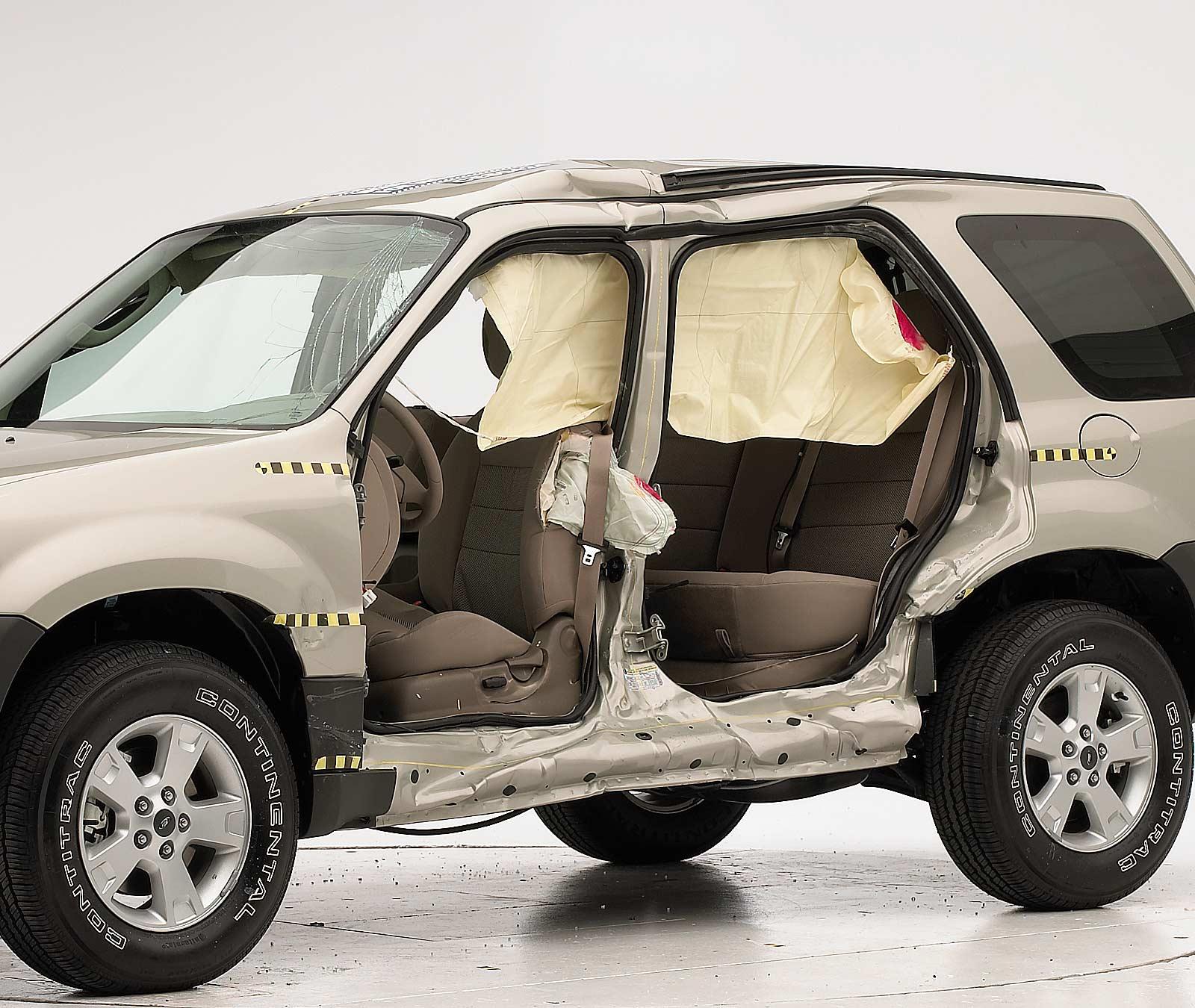 2001-07 Ford Escape Mercury Mariner Passenger Side Right Rear Door Window Glass