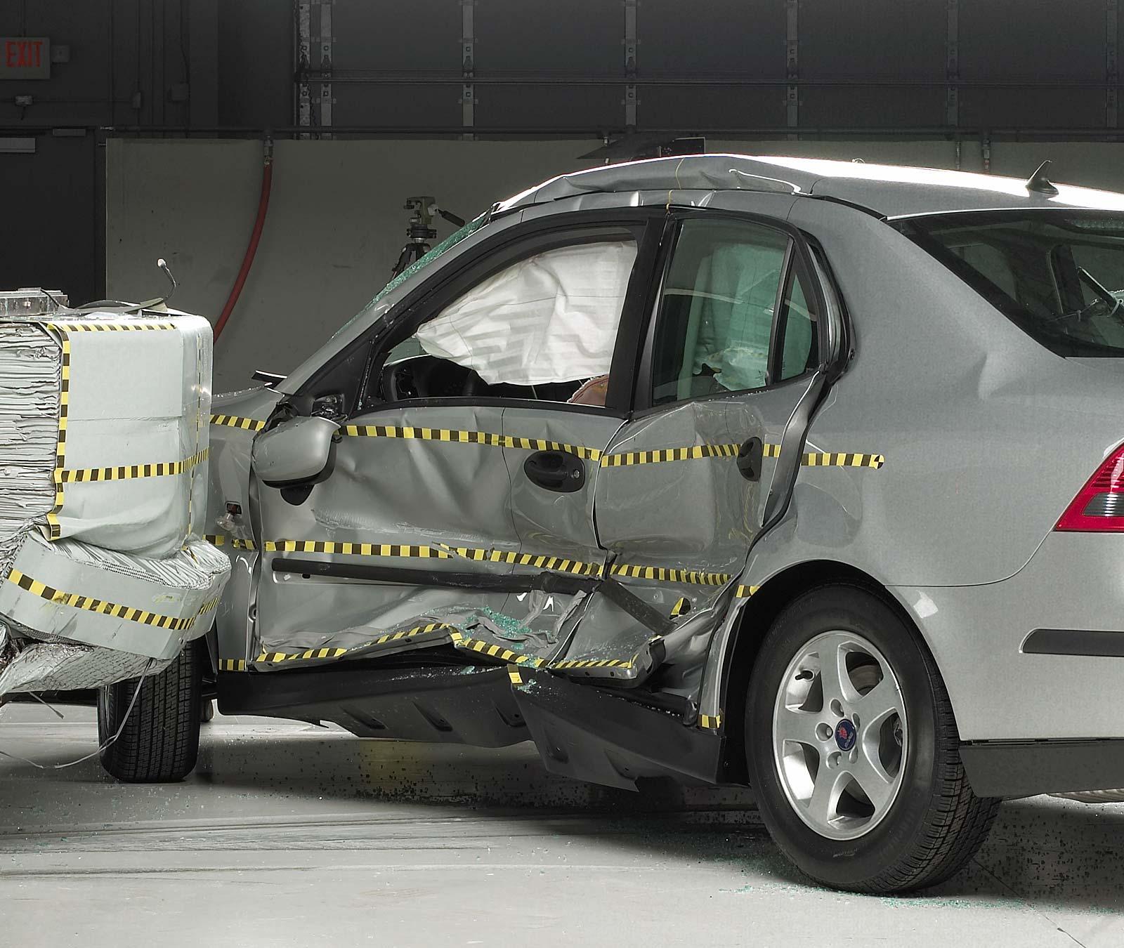 2004 Saab: 2004 Saab 9-3