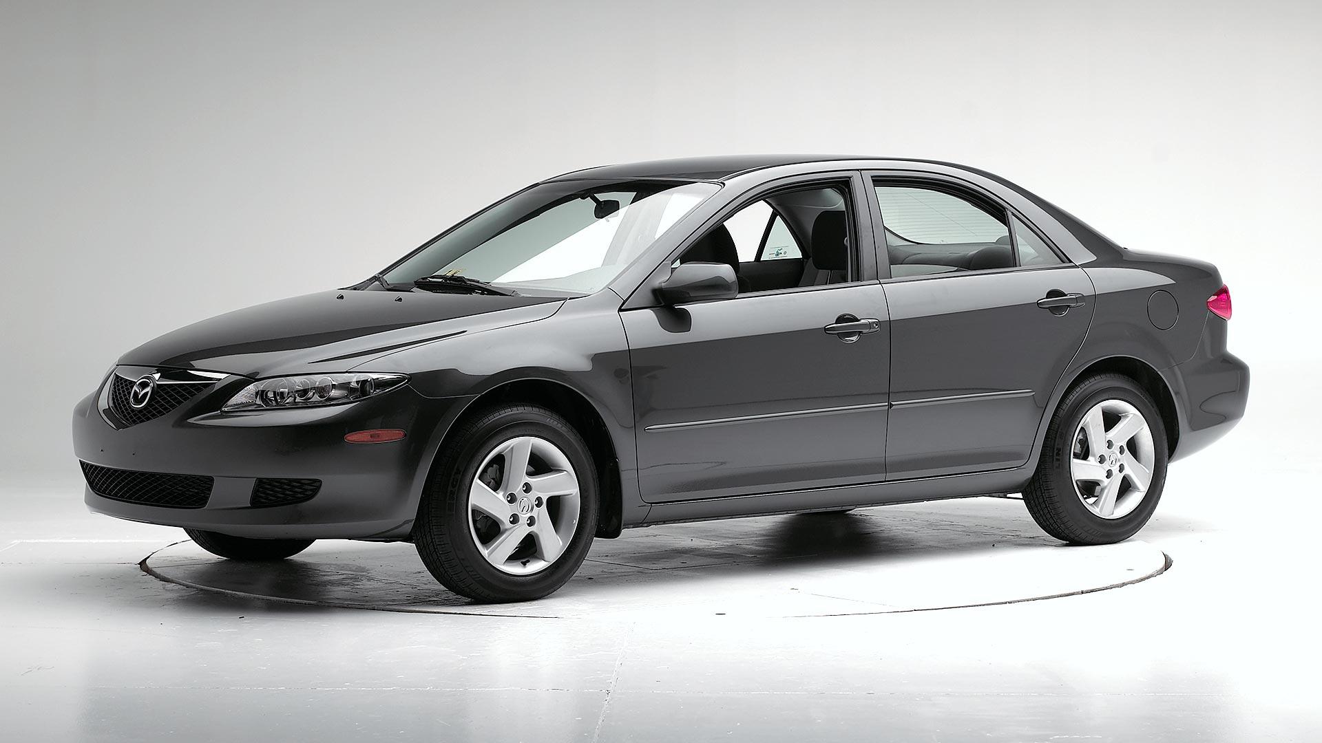 Kelebihan Mazda 2003 Murah Berkualitas