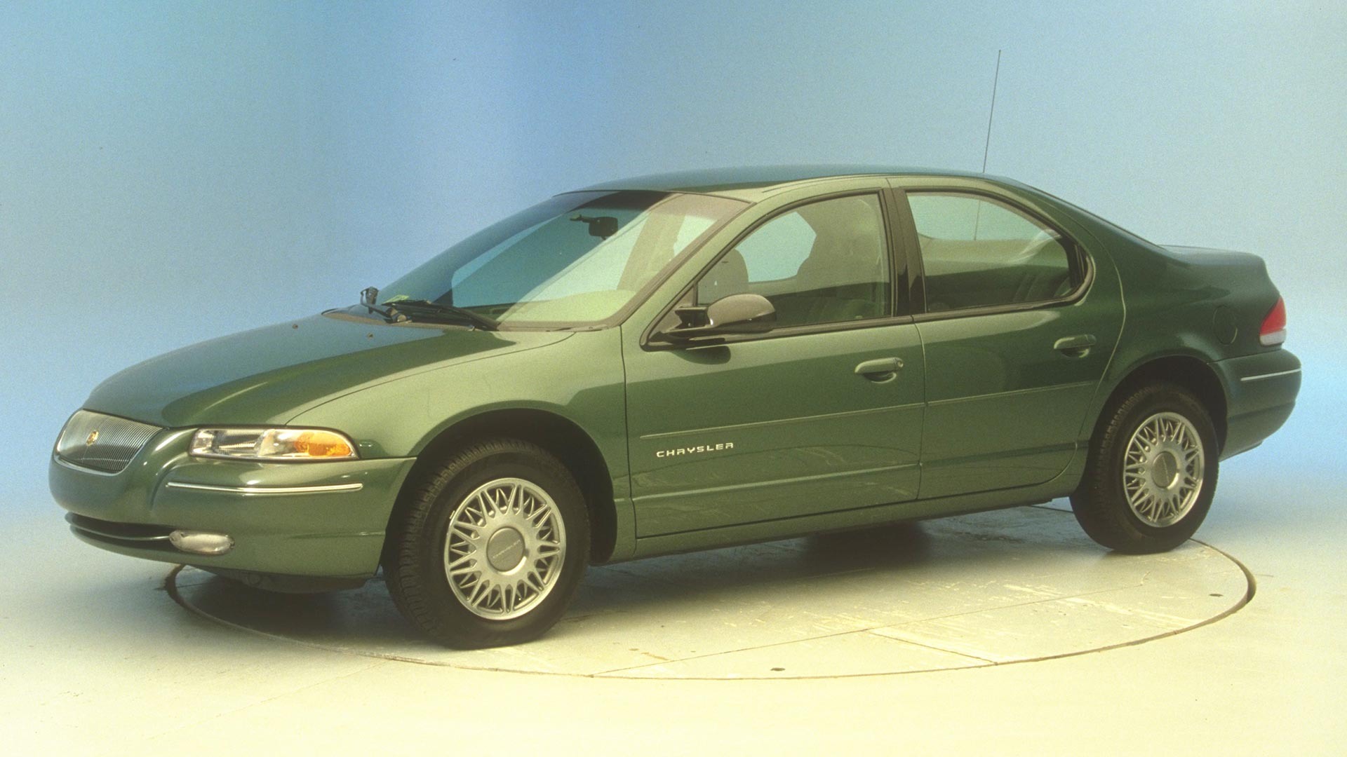 1997 Chrysler Cirrus 4-door sedan
