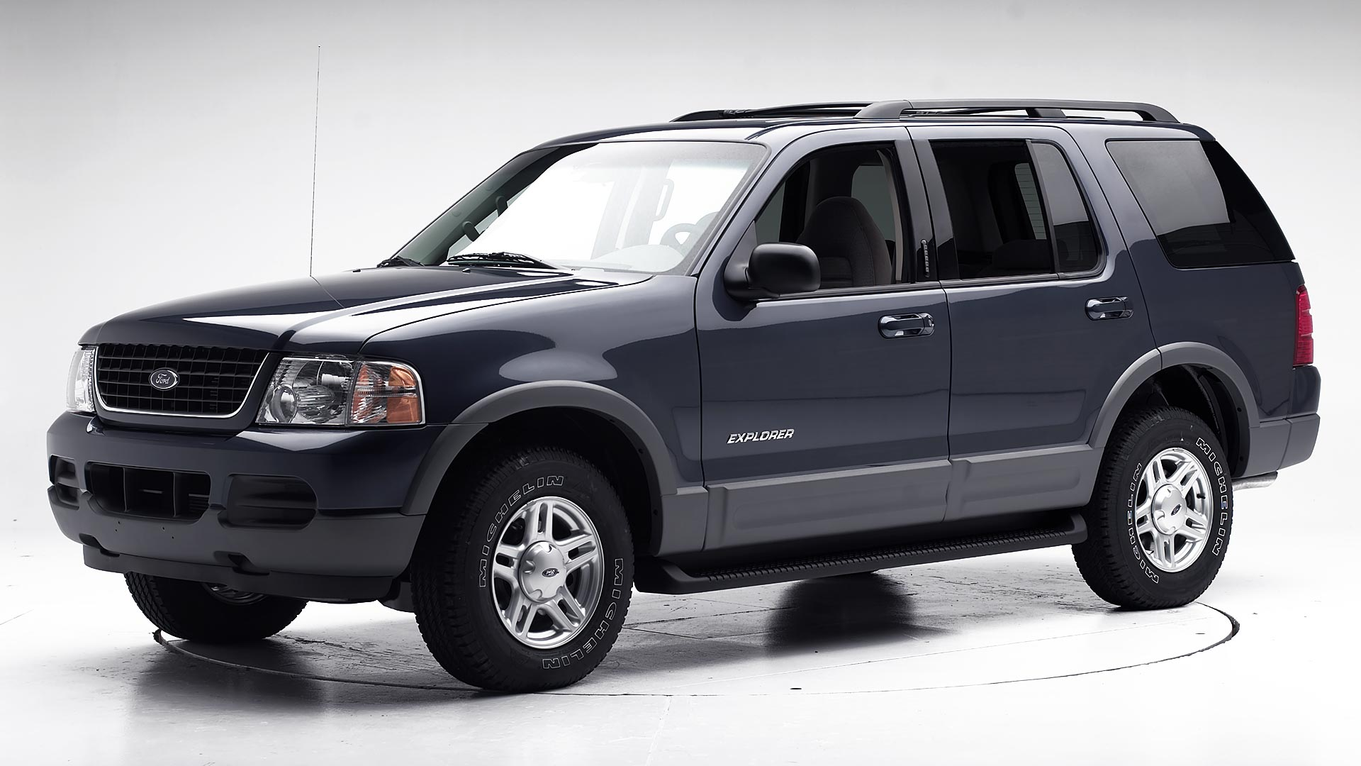 2002 Ford Explorer 4-door SUV