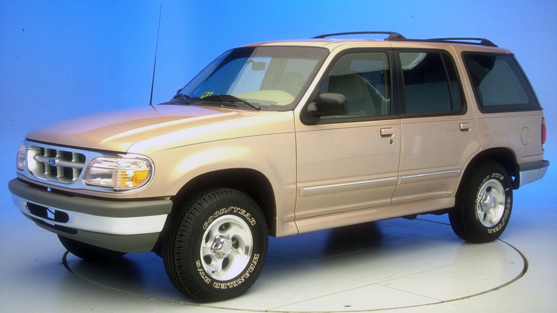 2000 Ford Explorer 4-door SUV