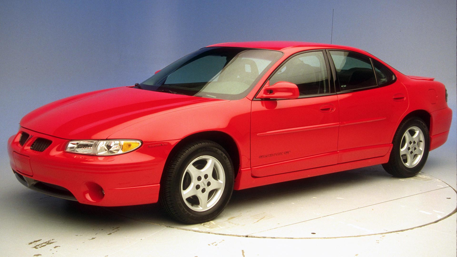 2001 Pontiac Grand Prix 4-door sedan