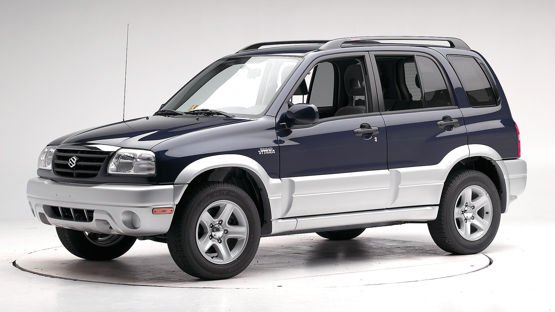2003 Suzuki Grand Vitara 4-door SUV