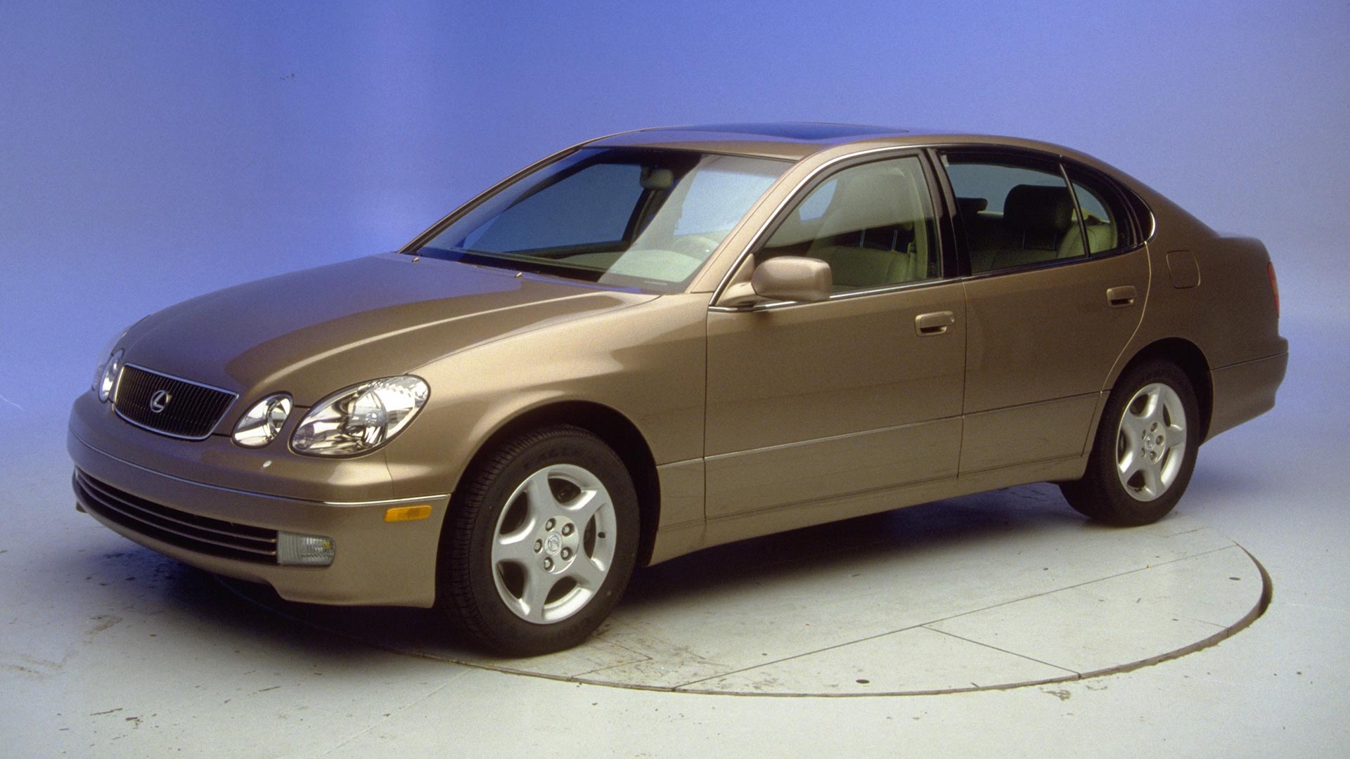 2000 Lexus GS 4-door sedan