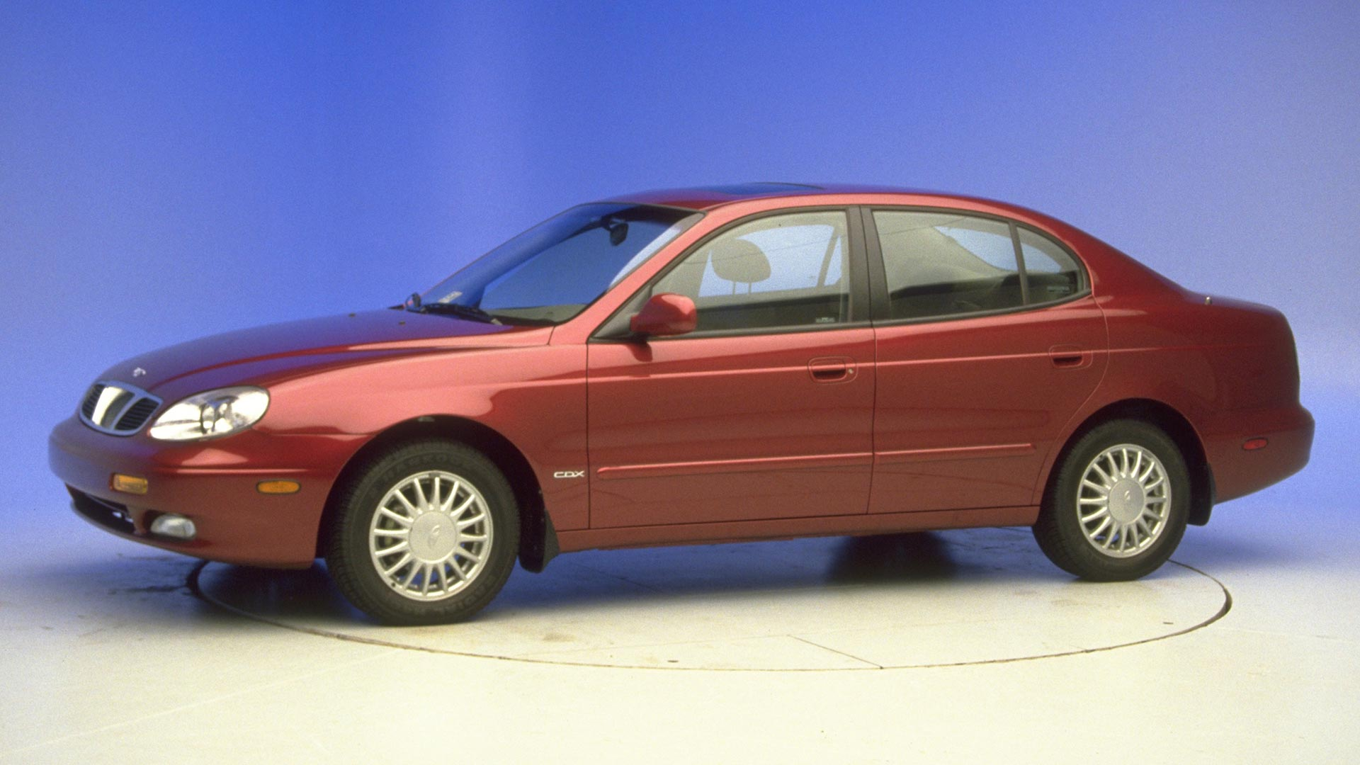 2001 Daewoo Leganza 4-door sedan