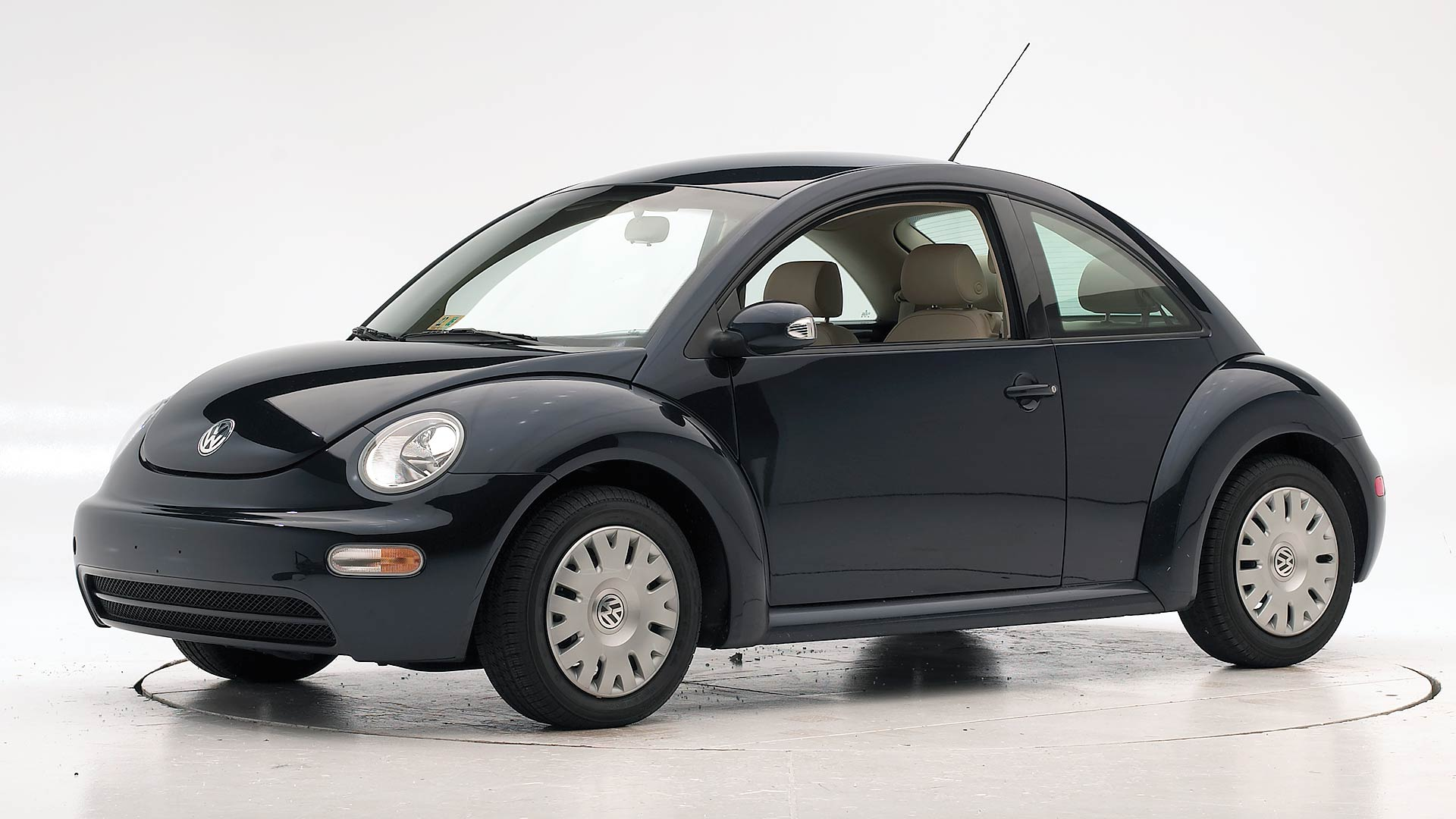 2010 Volkswagen New Beetle 2-door hatchback