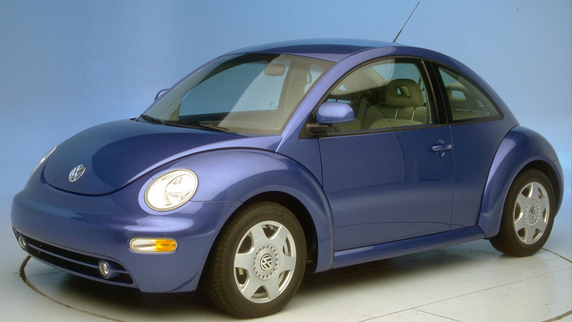 2000 Volkswagen New Beetle 2-door hatchback