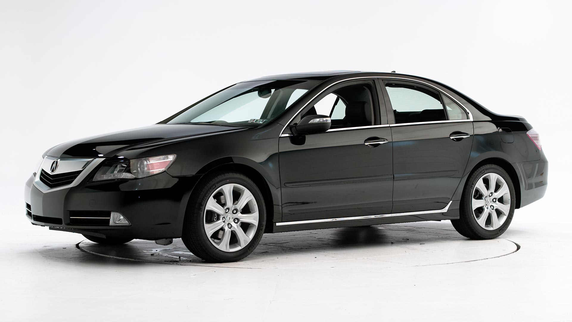 2010 Acura RL 4-door sedan