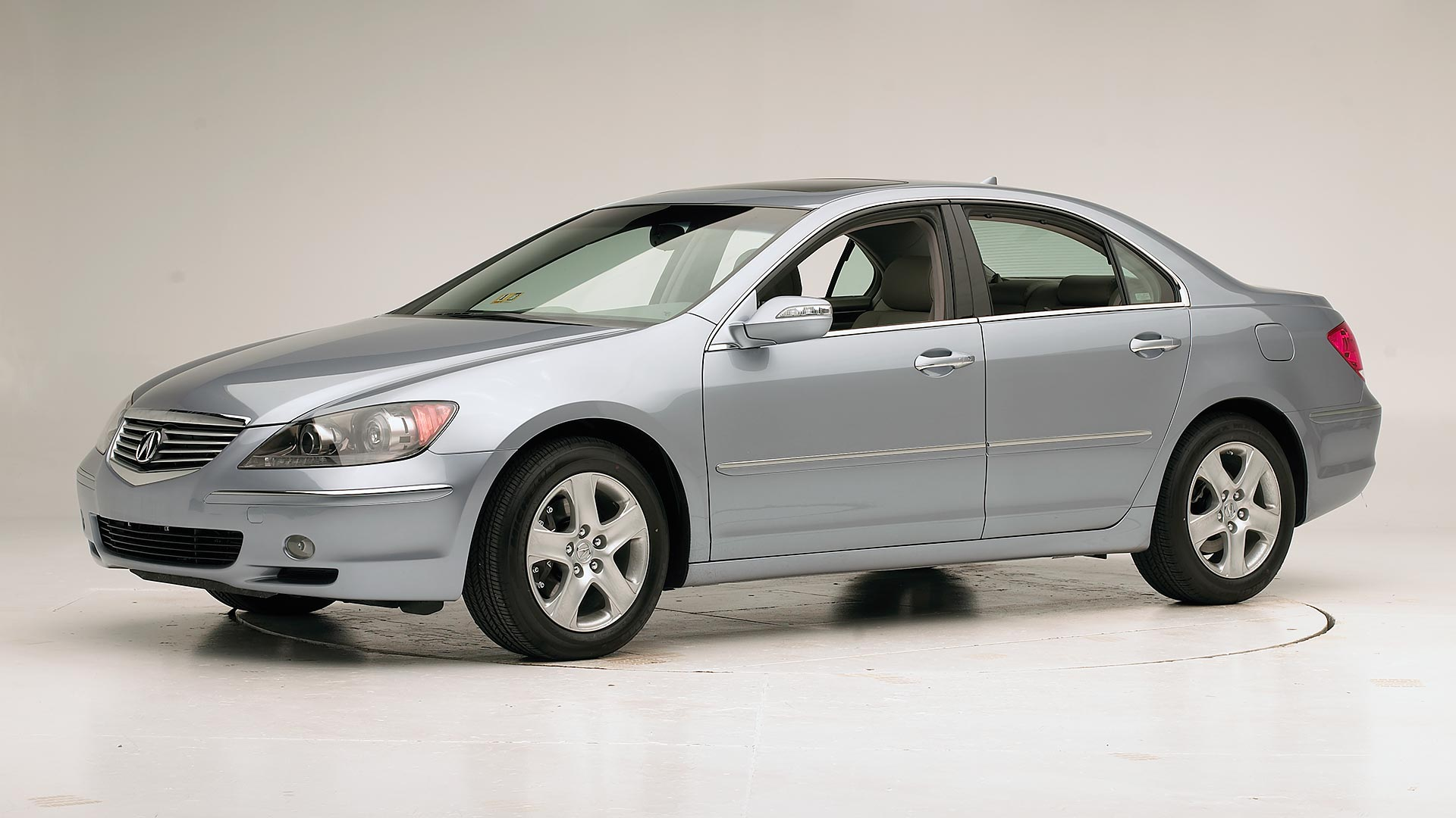 2005 Acura RL 4-door sedan