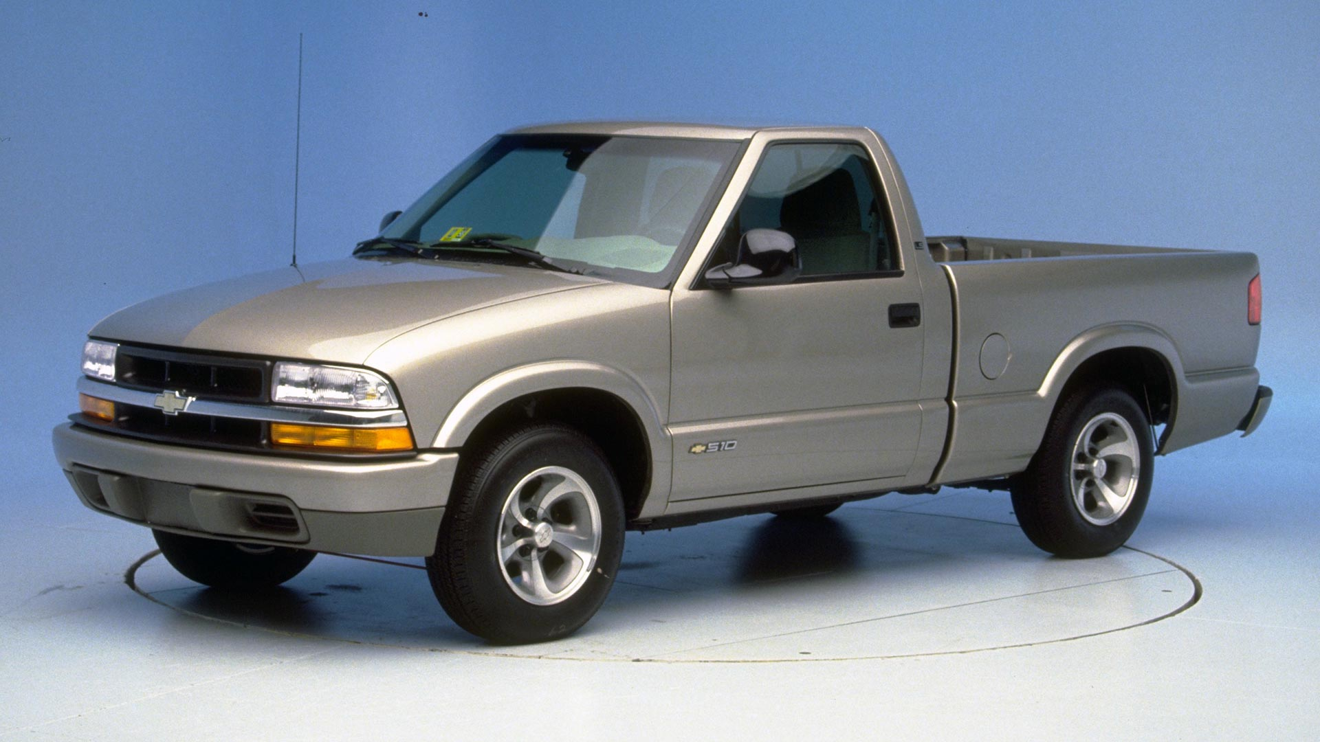 2002 Chevrolet S-10 Regular cab pickup
