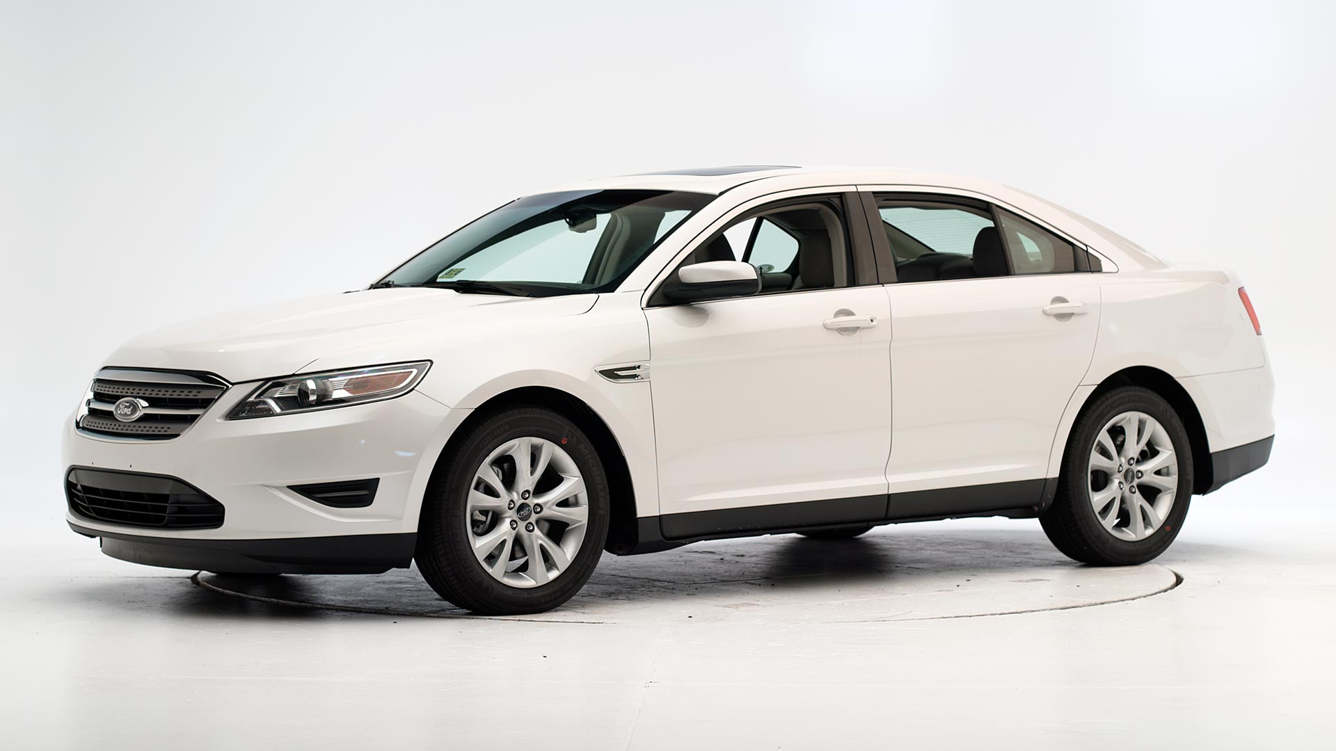 2012 Ford Taurus 4-door sedan