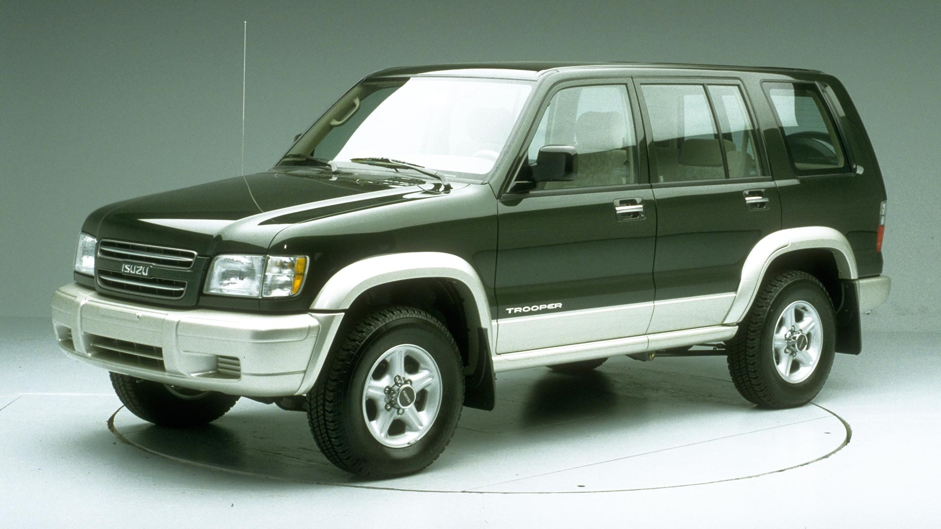 2000 Isuzu Trooper 4-door SUV