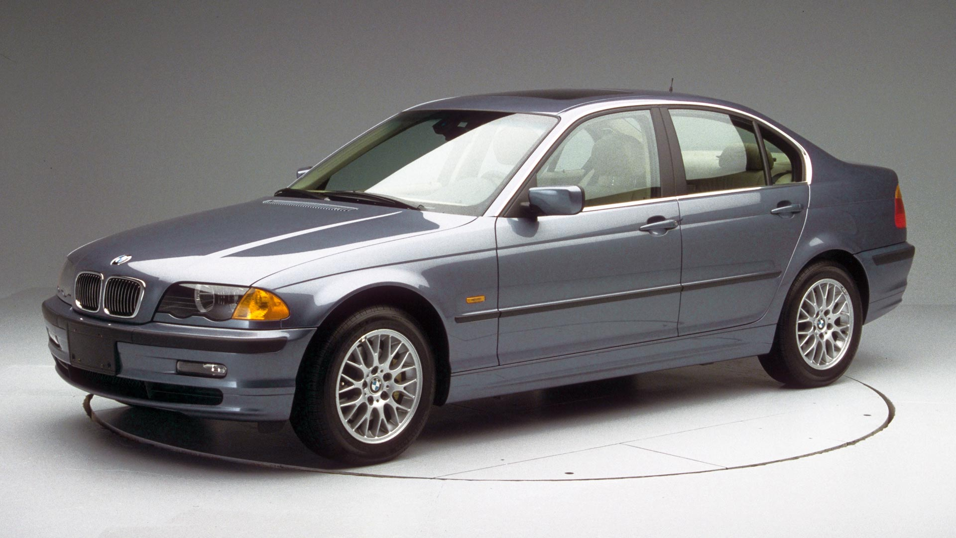 2003 BMW 3 series 4-door sedan