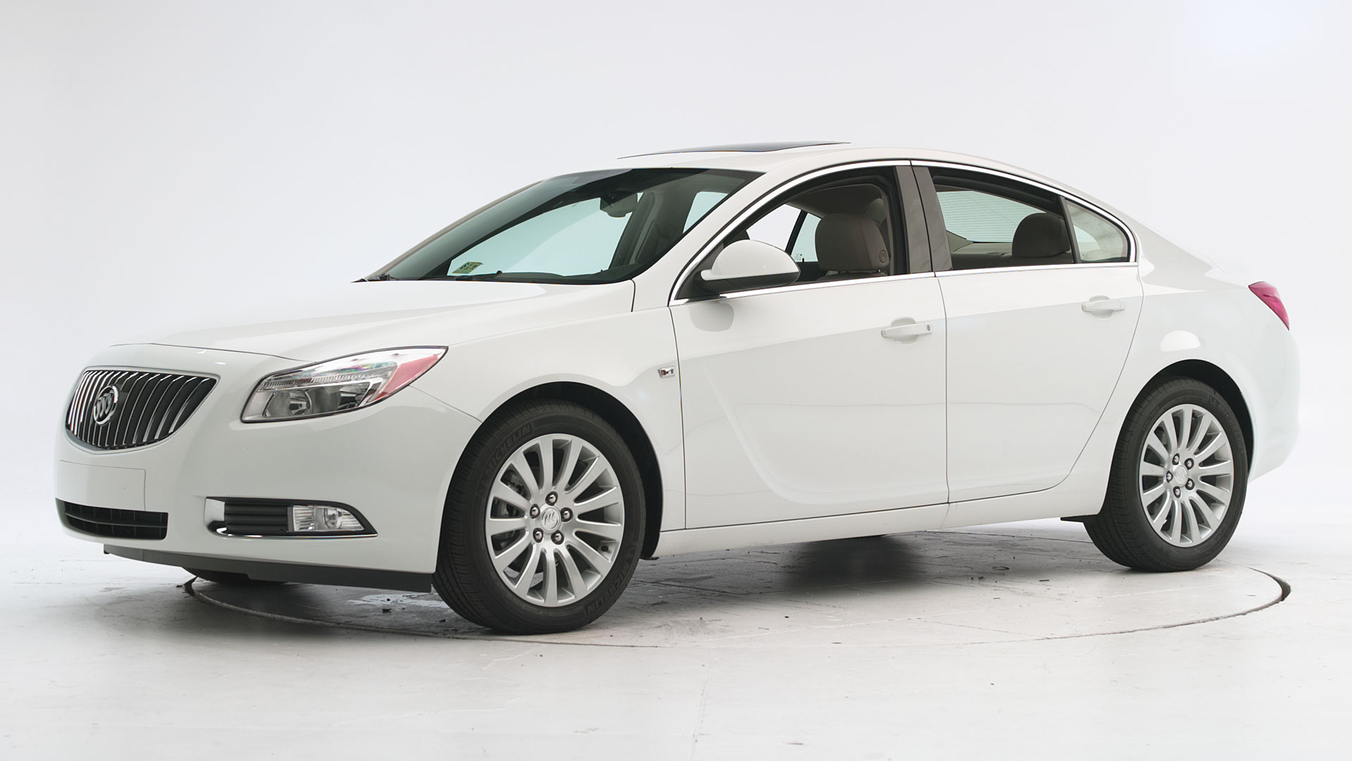 2012 Buick Regal 4-door sedan