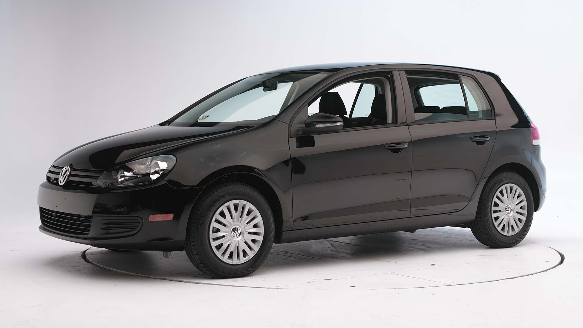 2010 Volkswagen Golf 4-door hatchback