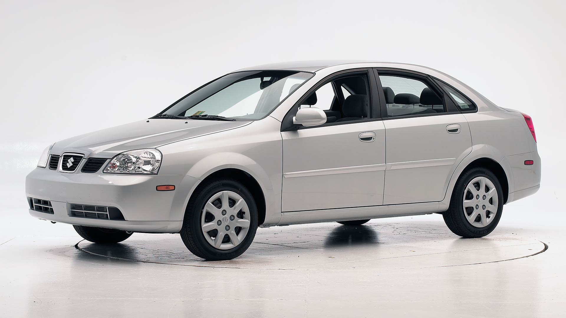 2007 Suzuki Forenza 4-door sedan