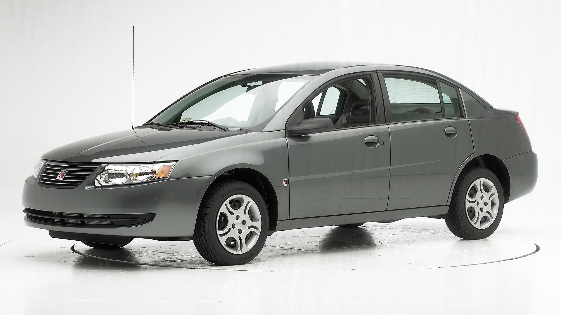 2005 Saturn ION 4-door sedan