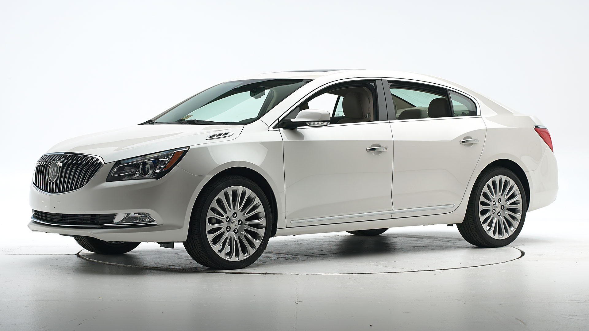 2015 Buick LaCrosse 4-door sedan