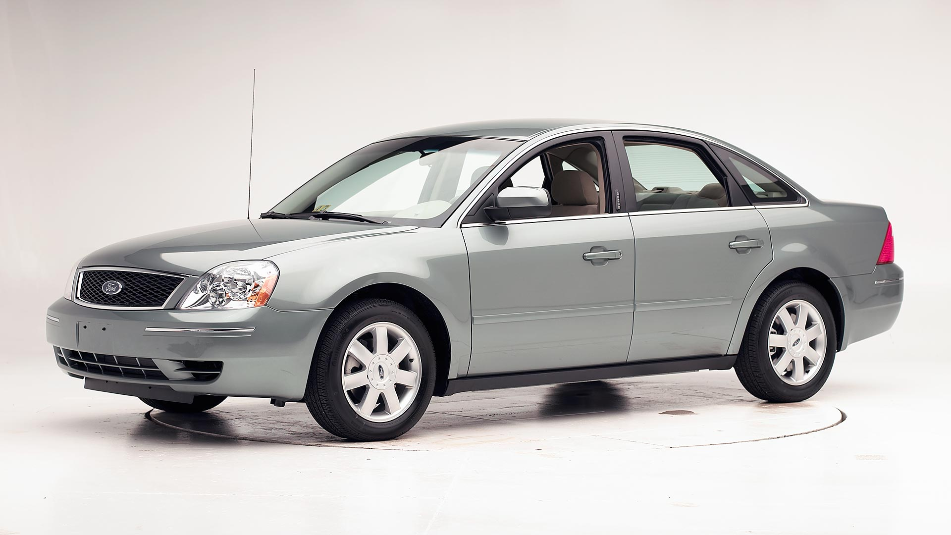 2005 Ford Five Hundred 4-door sedan