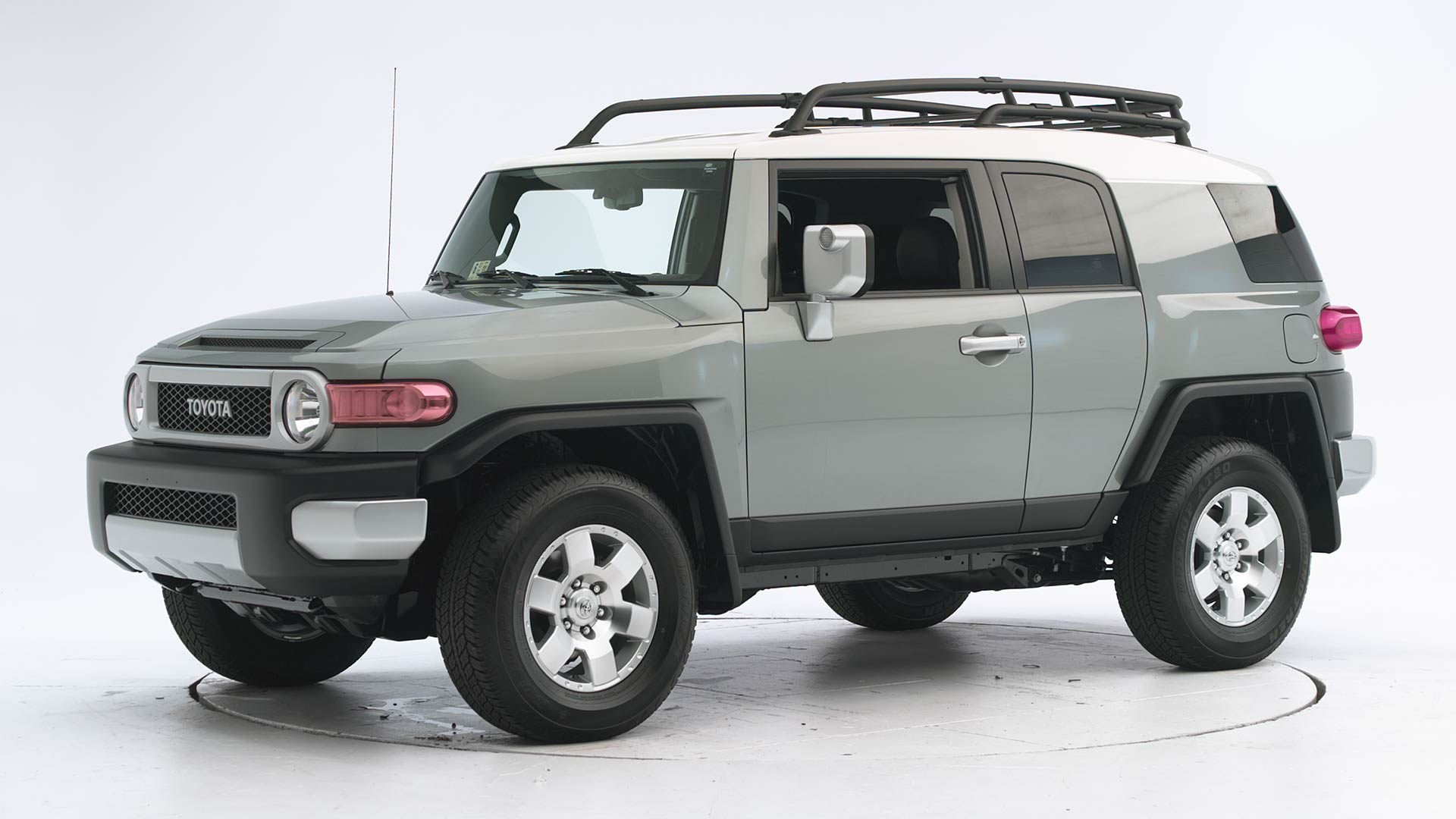2011 Toyota FJ Cruiser 4-door SUV