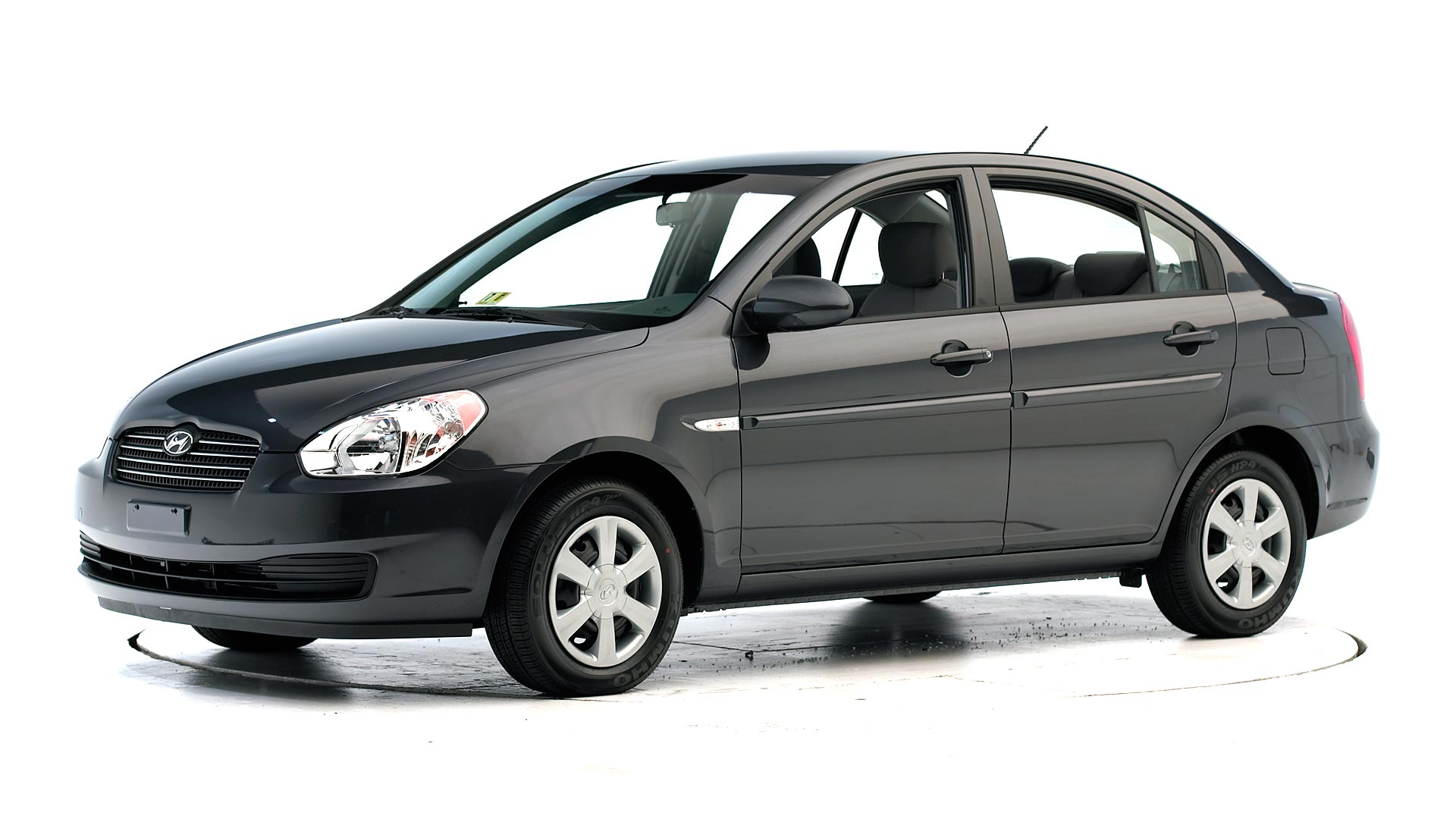 2007 Hyundai Accent 4-door sedan