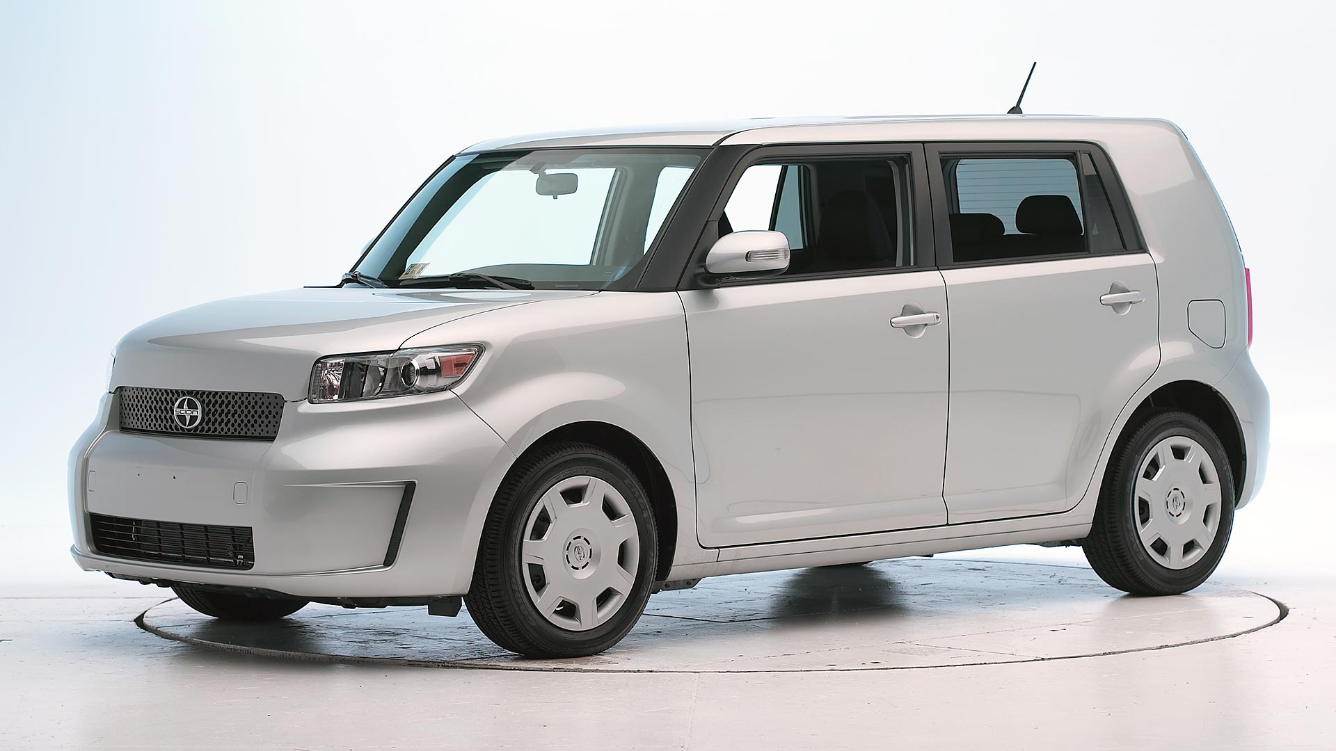 2013 Scion xB 4-door wagon