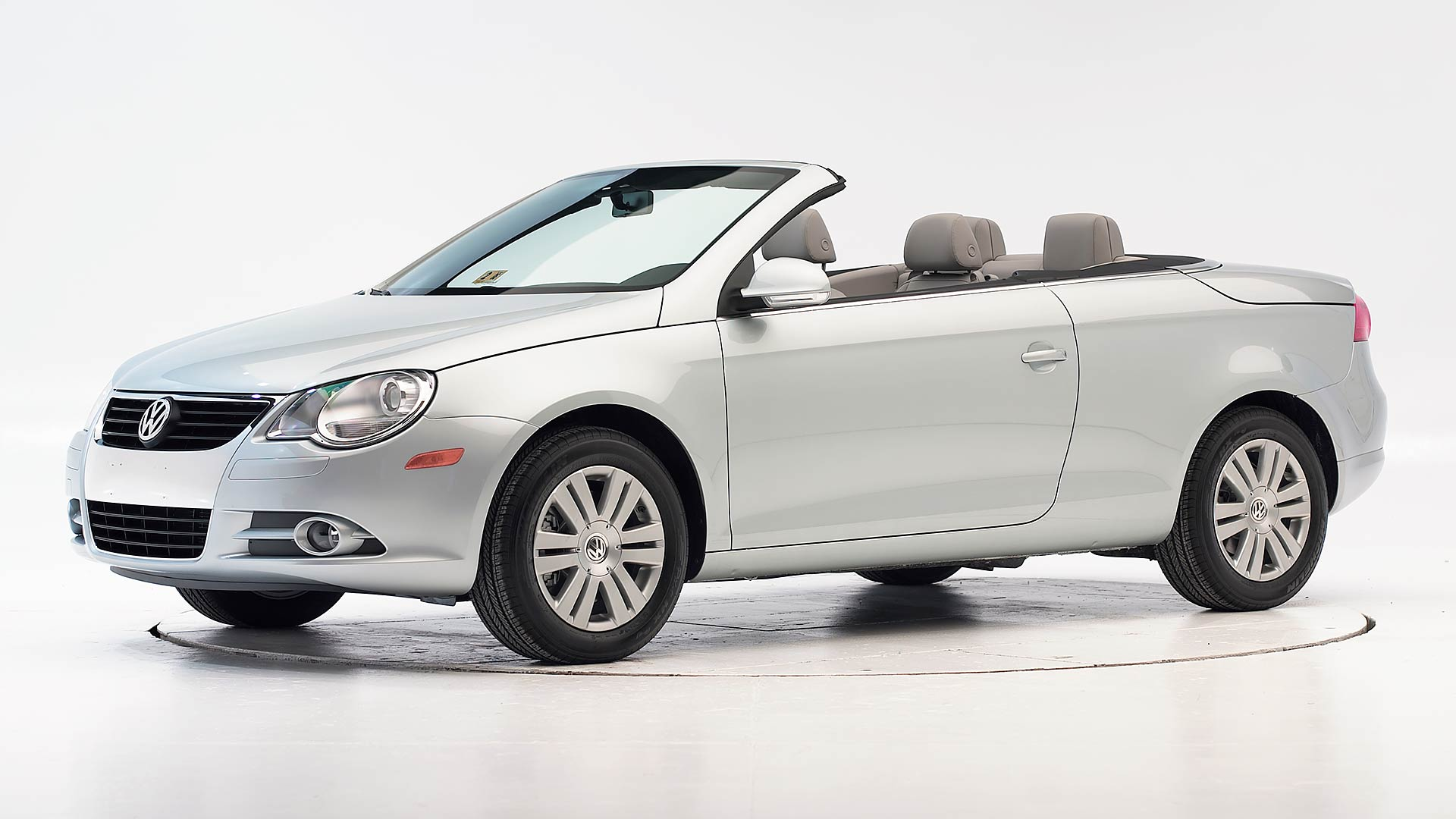 2010 Volkswagen Eos 2-door convertible