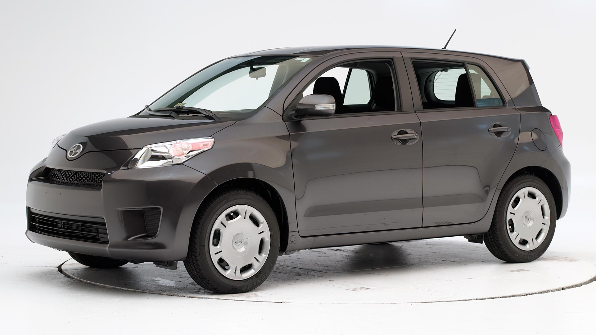 2013 Scion xD 4-door hatchback