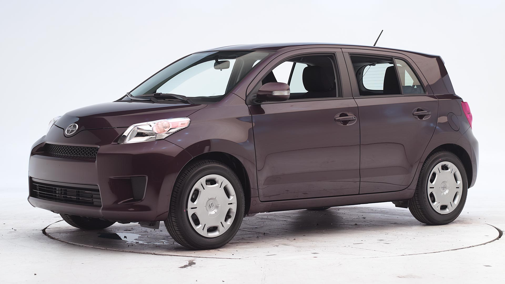 2011 Scion xD 4-door hatchback