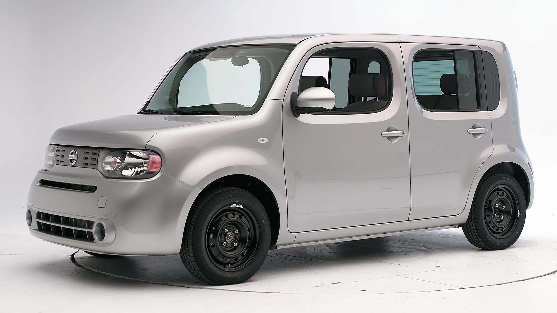 2011 Nissan Cube 4-door wagon