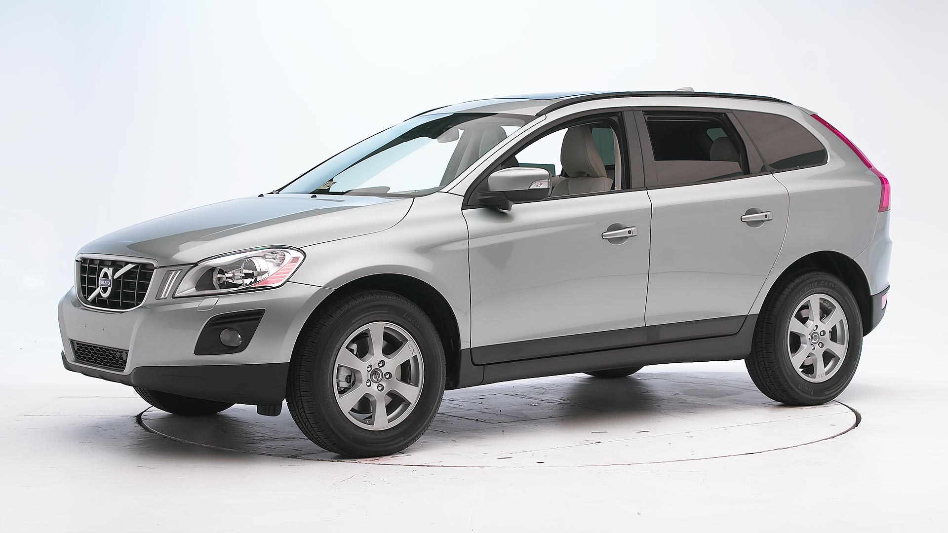2010 Volvo XC60 4-door SUV