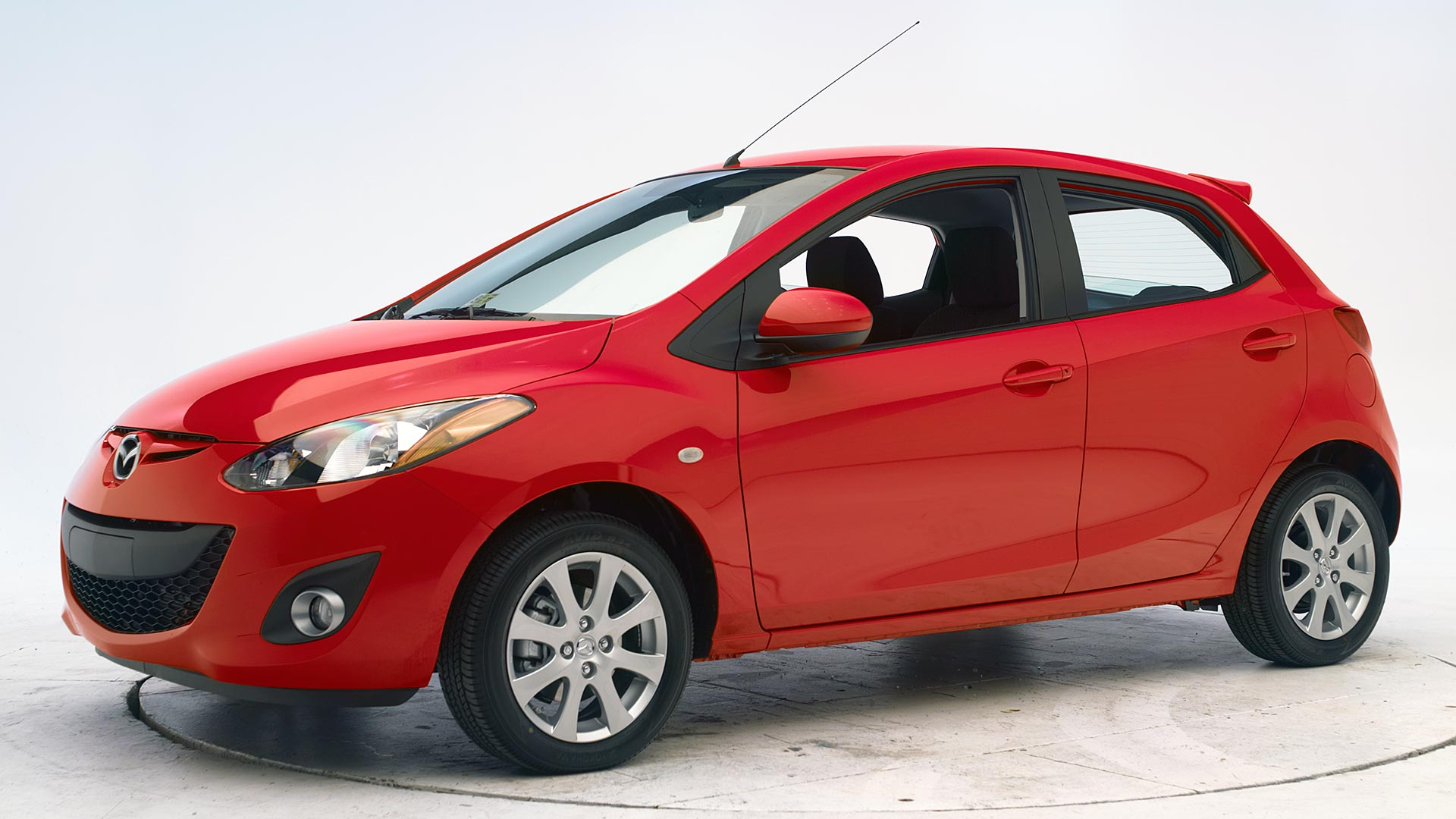 2012 Mazda 2 4-door hatchback