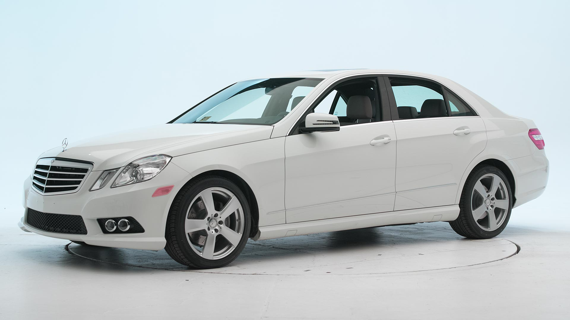 2010 Mercedes-Benz E-Class 4-door sedan