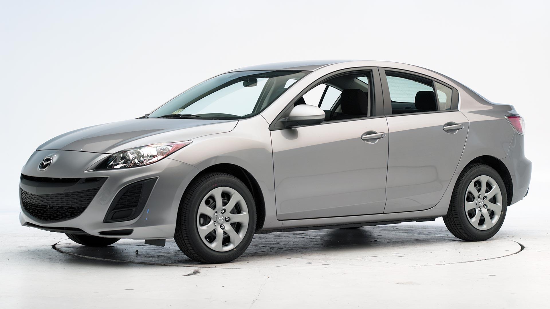Kelebihan Mazda 3 2011 Tangguh
