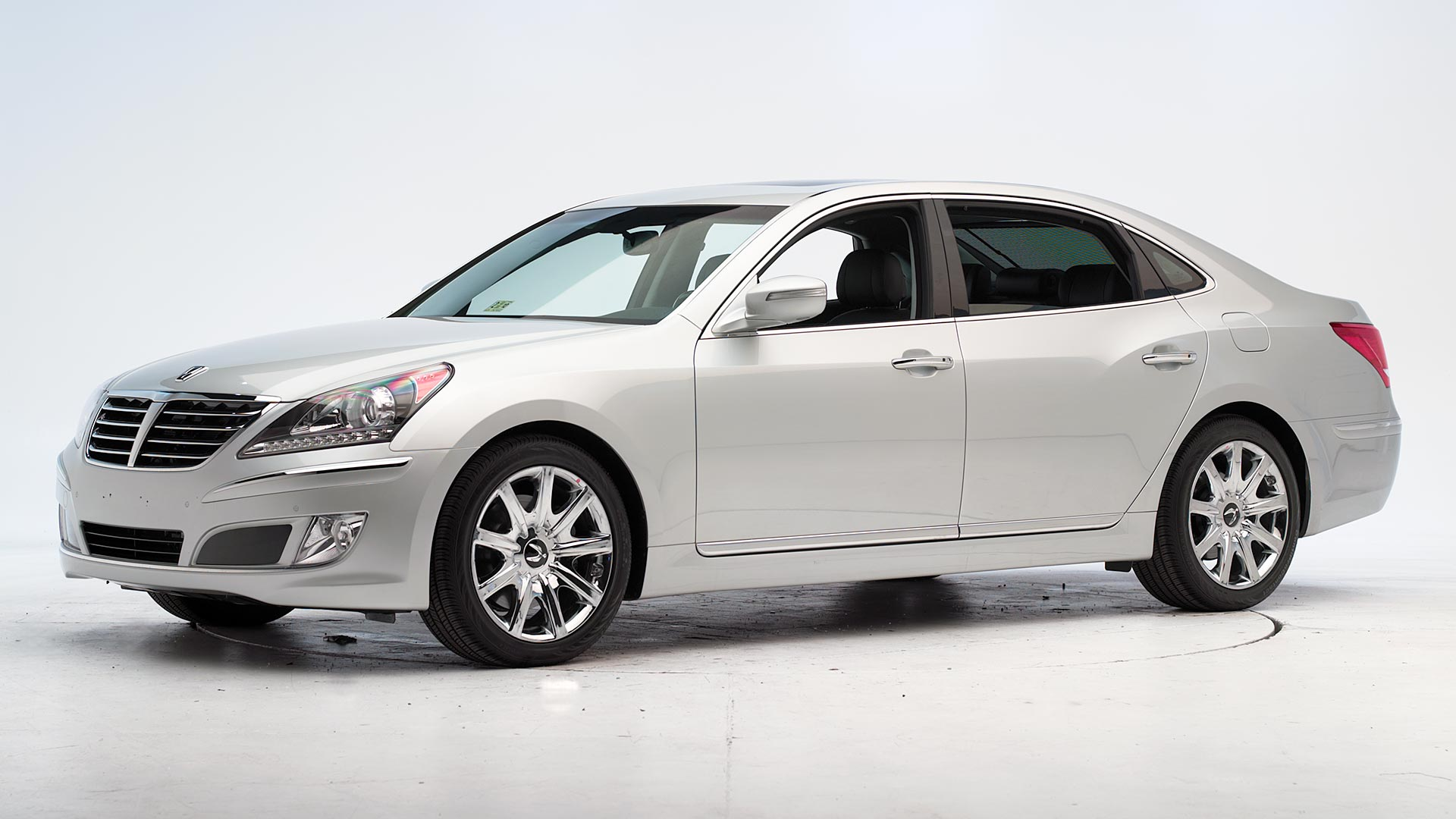 2014 Hyundai Equus 4-door sedan