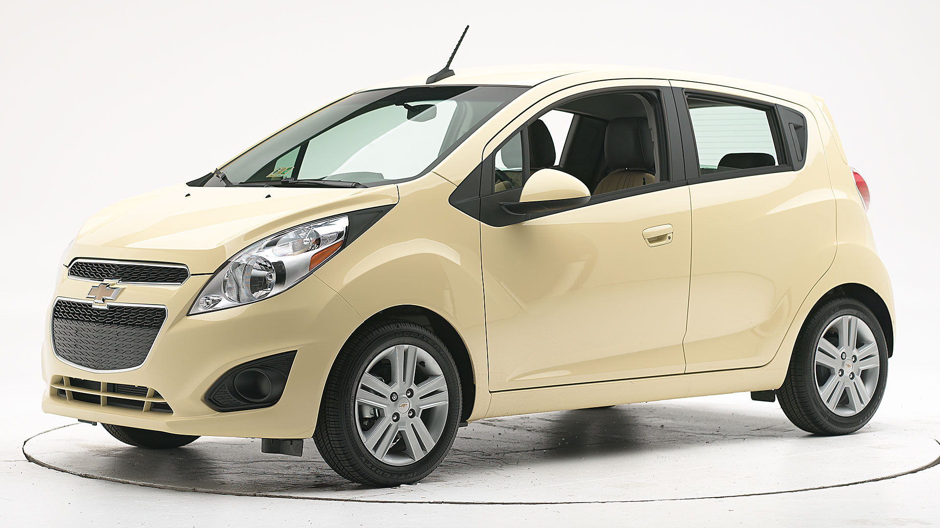 2015 Chevrolet Spark 4-door hatchback