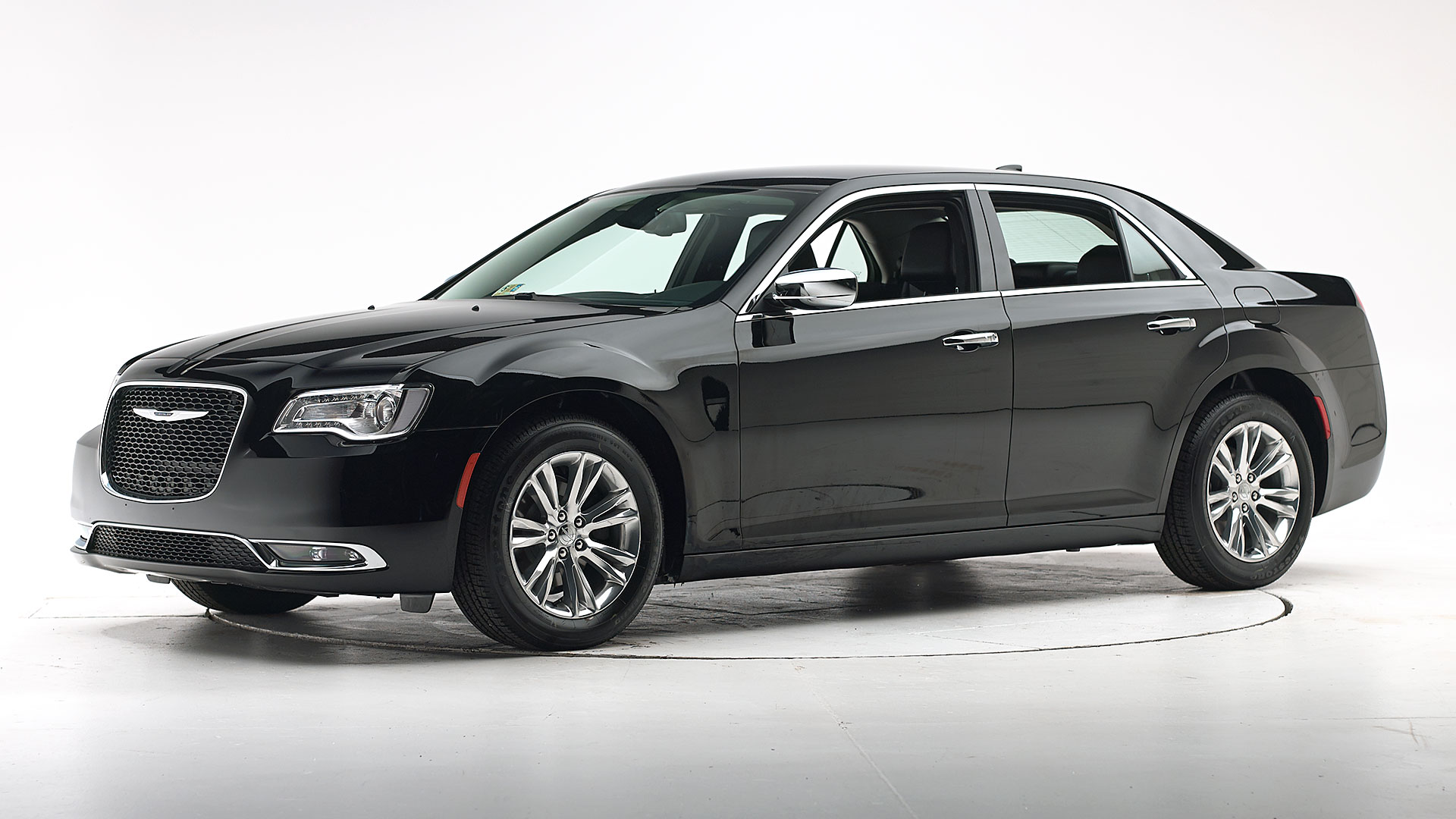 2019 Chrysler 300 4-door sedan