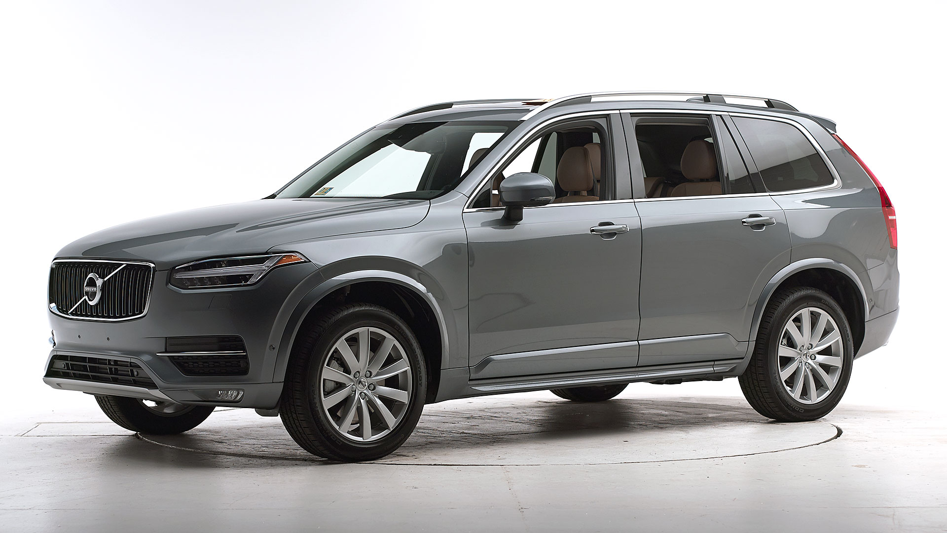 2017 Volvo XC90 4-door SUV