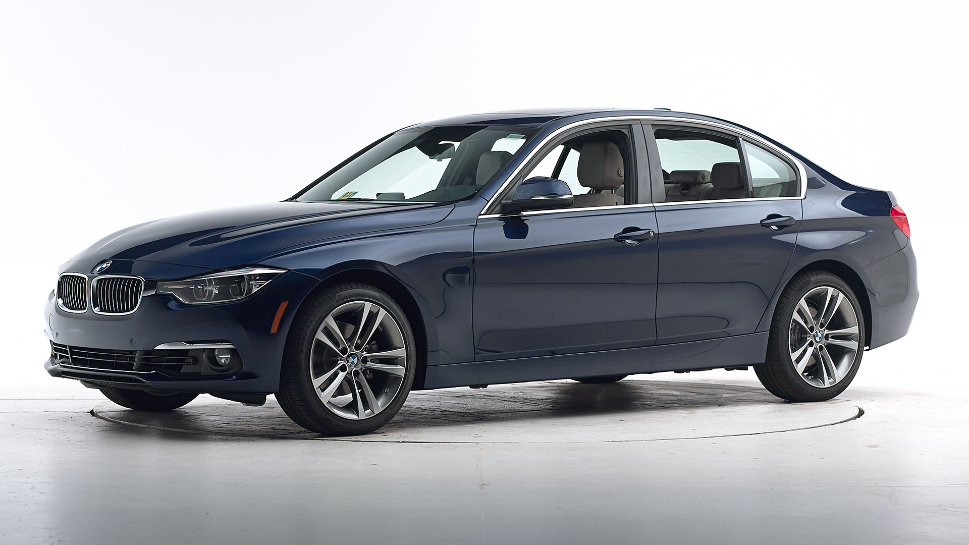 2016 BMW 3 series 4-door sedan