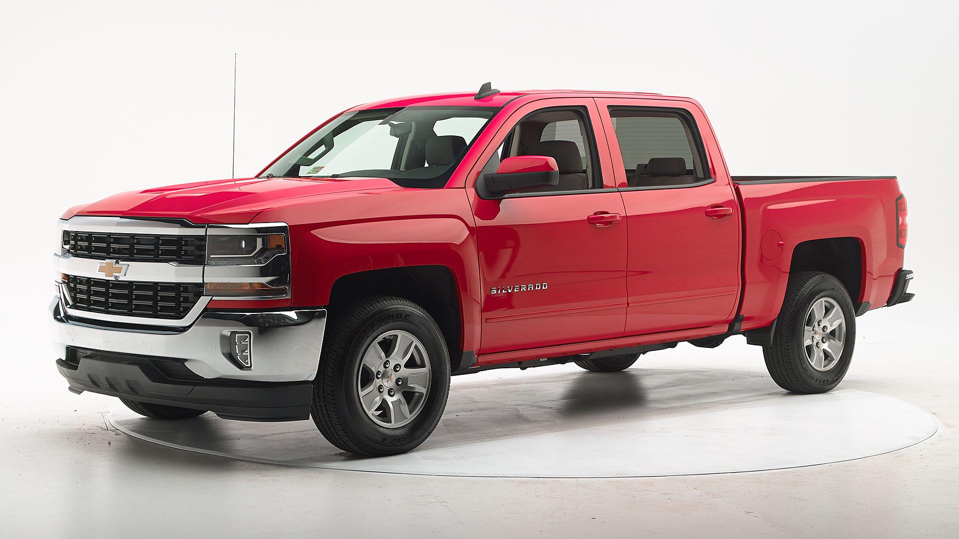 Kelebihan Chevrolet Silverado 2016 Perbandingan Harga