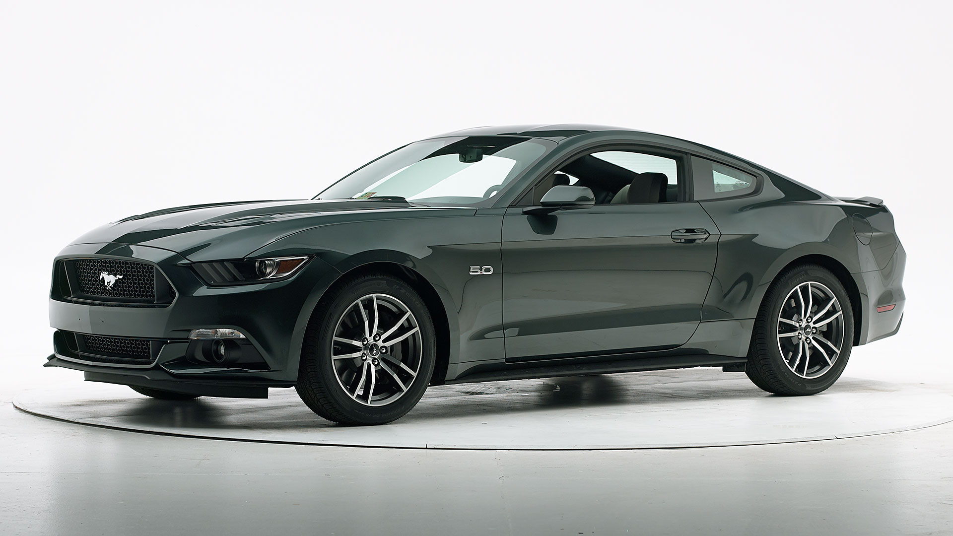 2016 Ford Mustang 2-door coupe