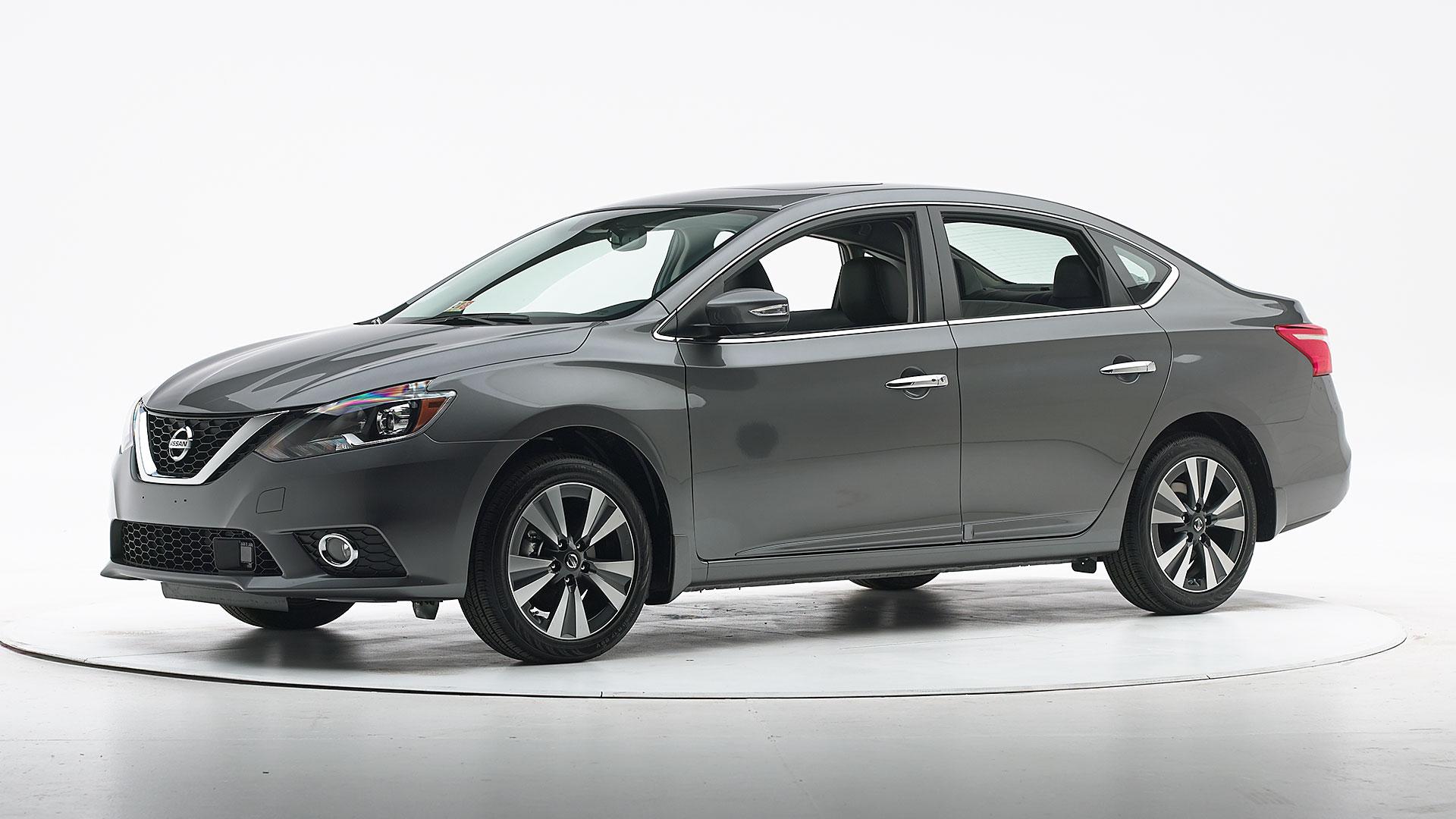 2016 Nissan Sentra 4 Door Sedan