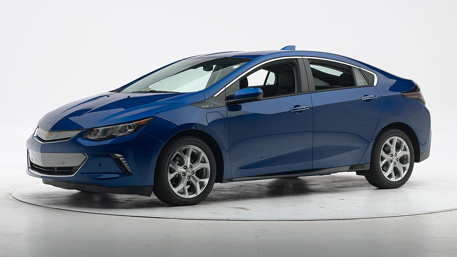 2018 Chevrolet Volt 4-door hatchback
