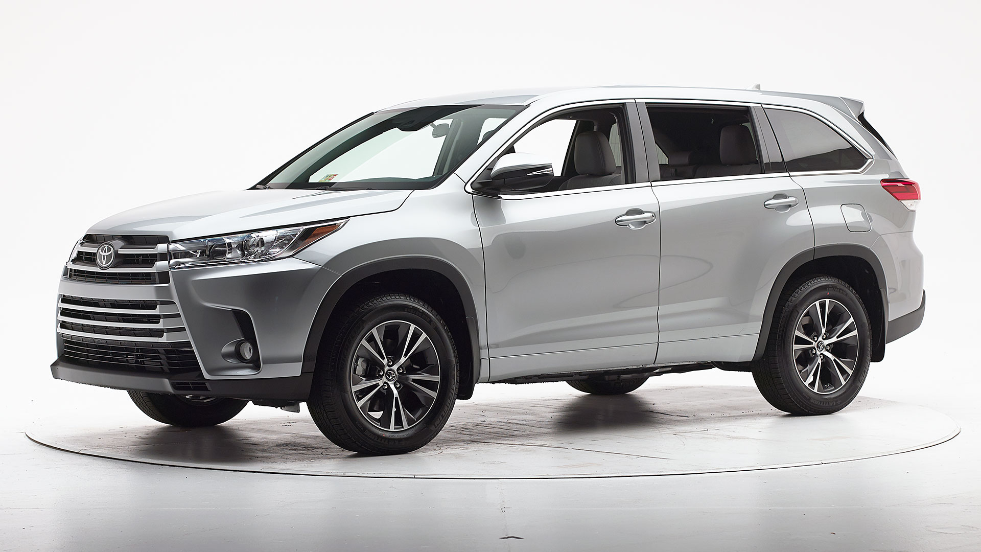 2017 Toyota Highlander 4-door SUV