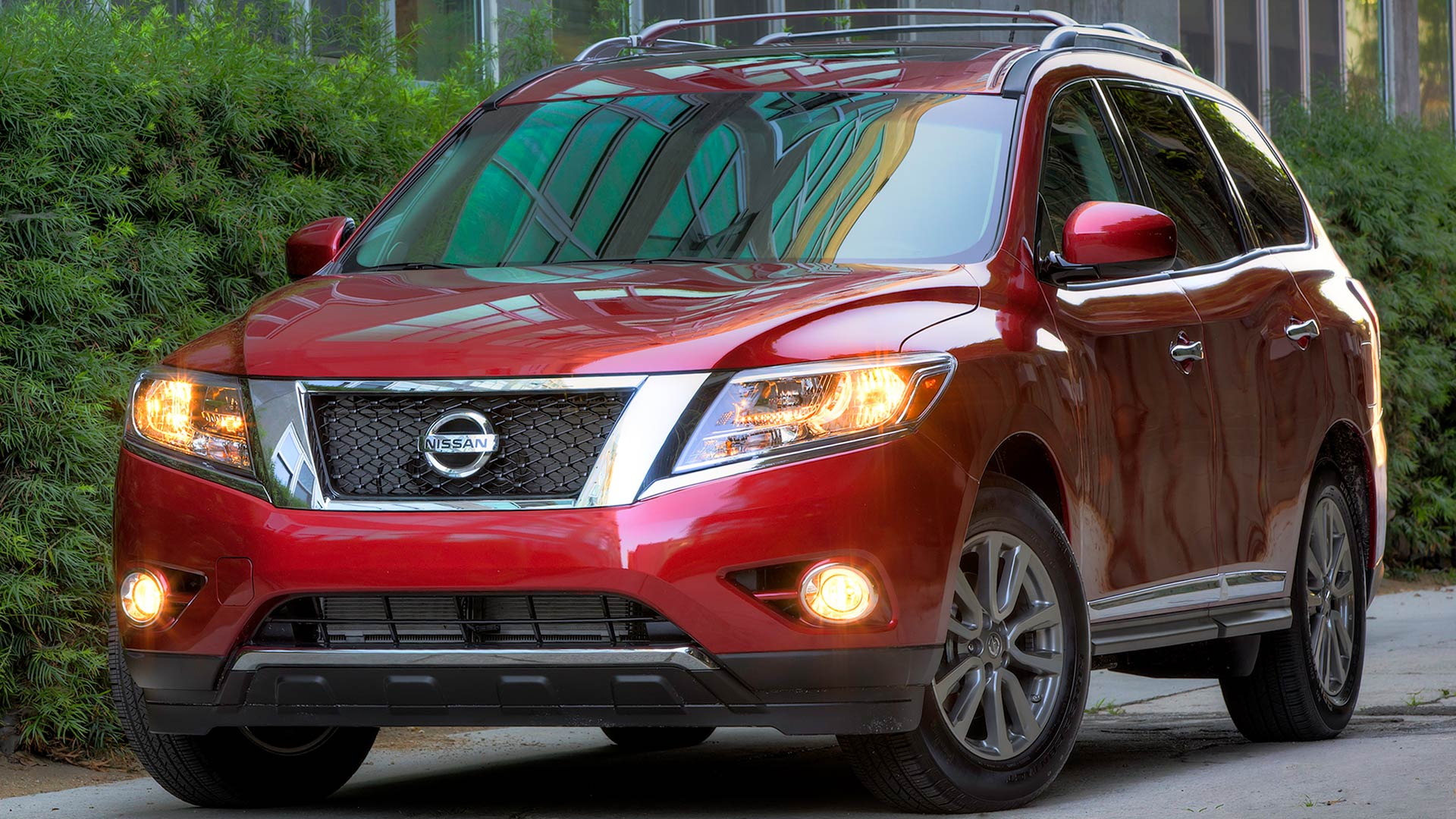 2013 Nissan Pathfinder 4-door SUV
