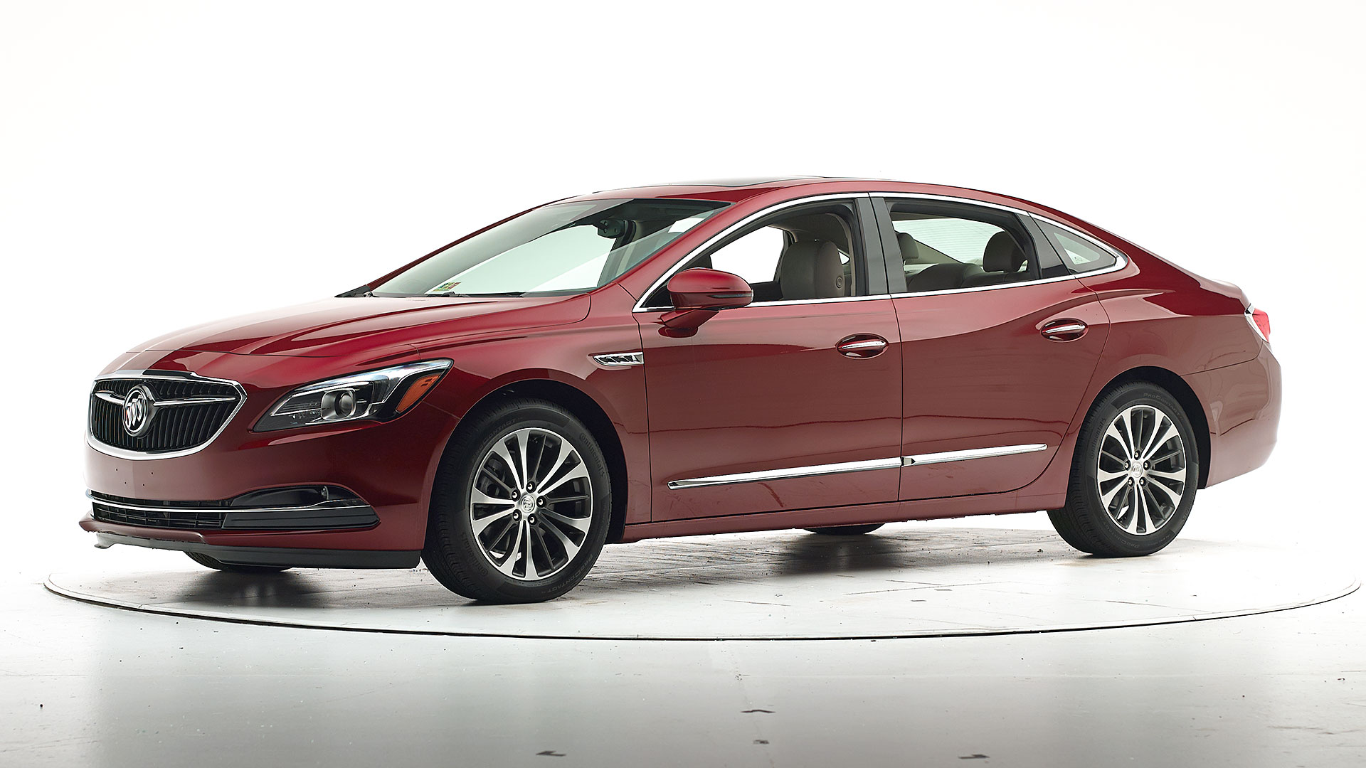 2018 Buick LaCrosse 4-door sedan