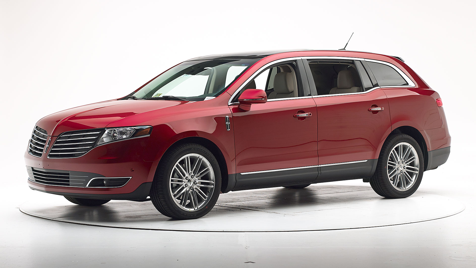 2018 Lincoln MKT 4-door SUV