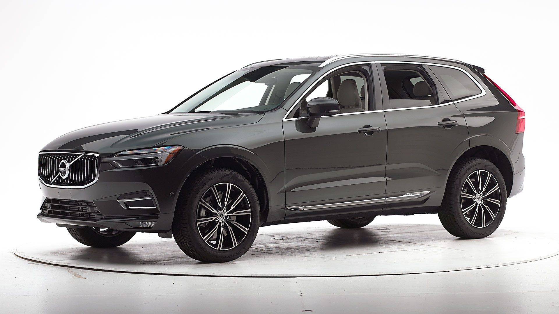 2018 Volvo XC60 4-door SUV